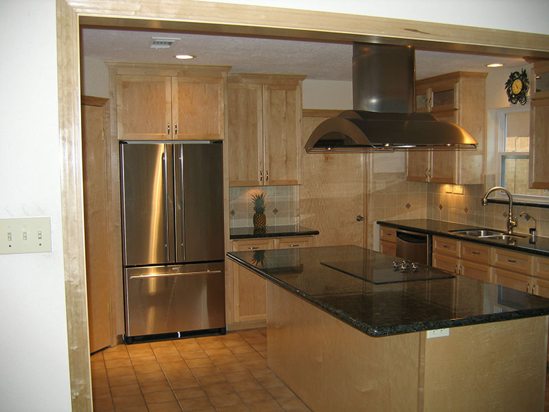 Gallery For > Emerald Pearl Granite Countertops With White Cabinets